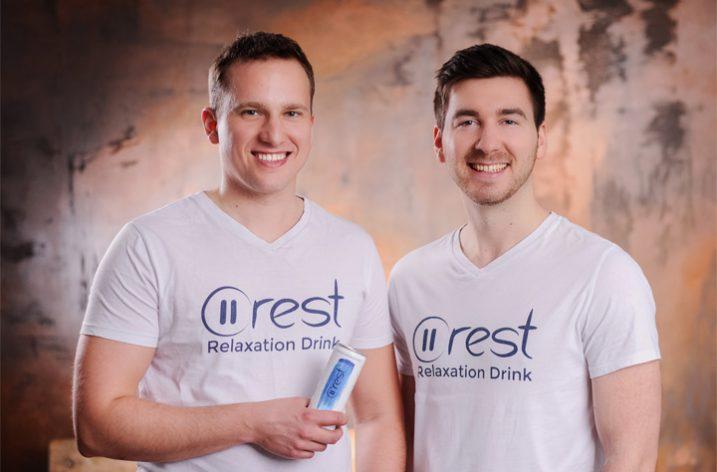Interview: Wie zwei Gründer aus Berlin ihren eigenen Drink produziert haben