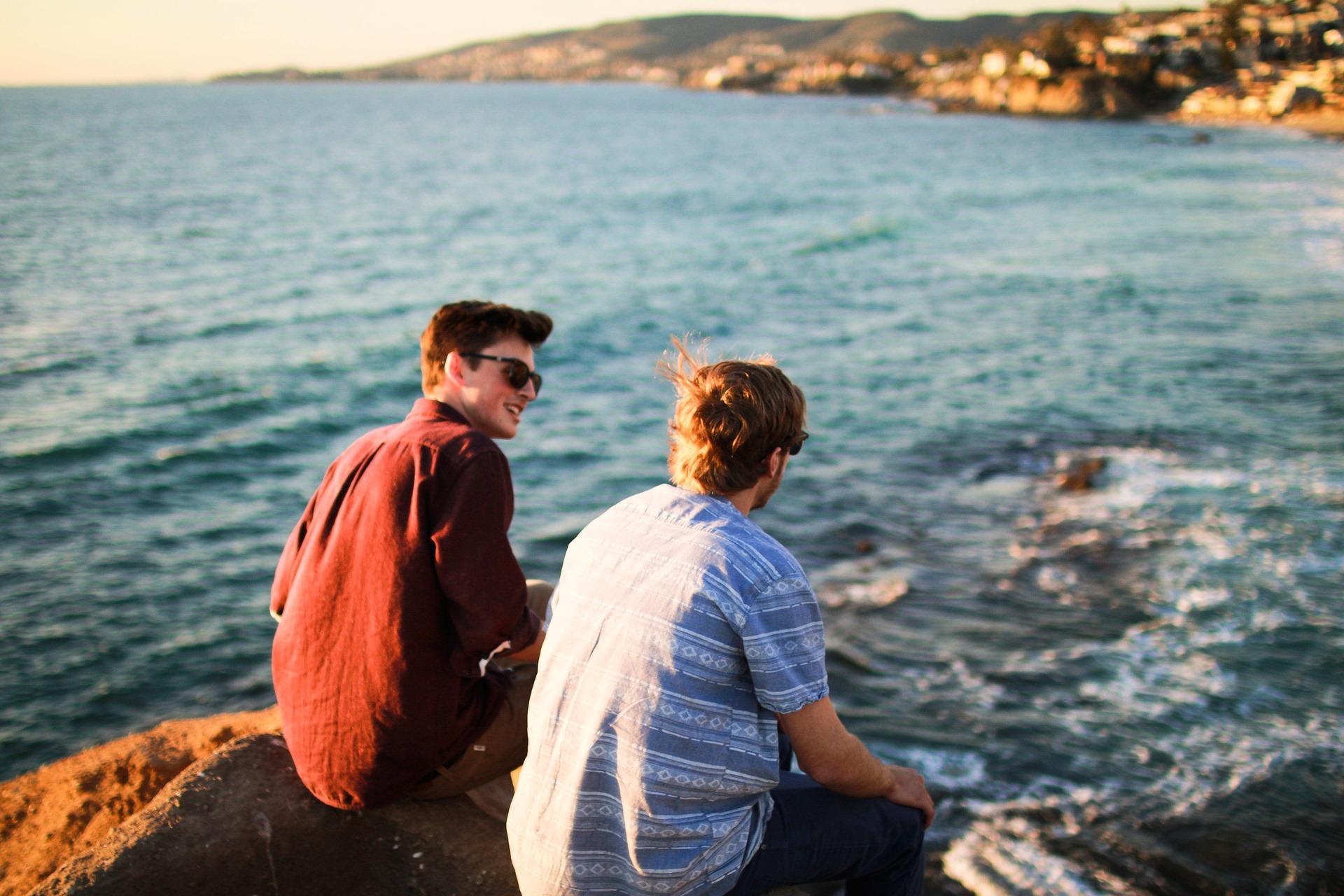 Beim Reisen Freunde finden