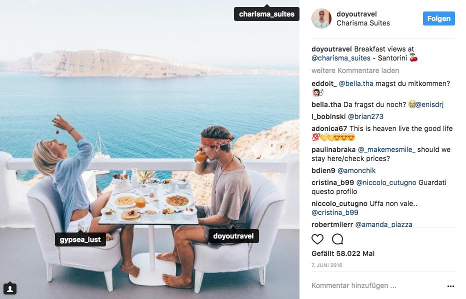 Instagram-Post über ein Frühstück in Santorini