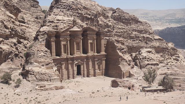 Kloster in der Felsenstadt Petra in Jordanien