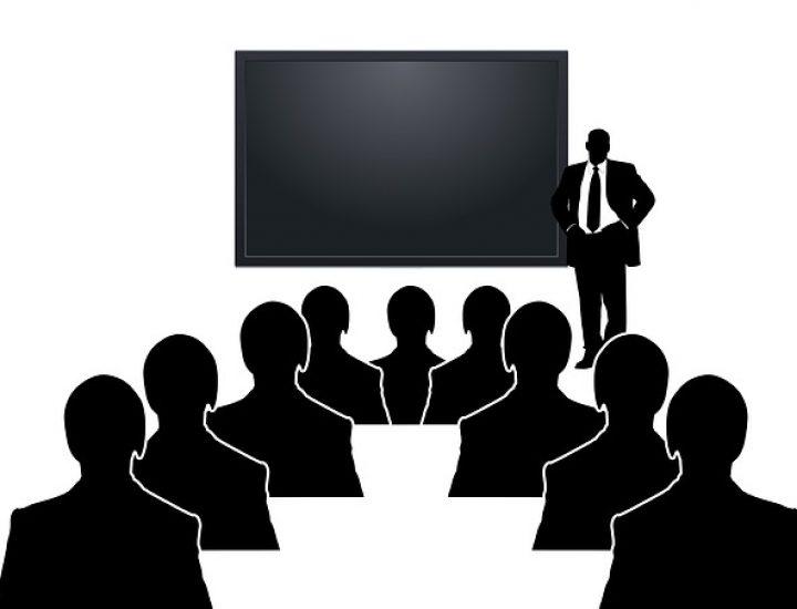 Du musst einen Vortrag halten? – Wir helfen dir dabei!