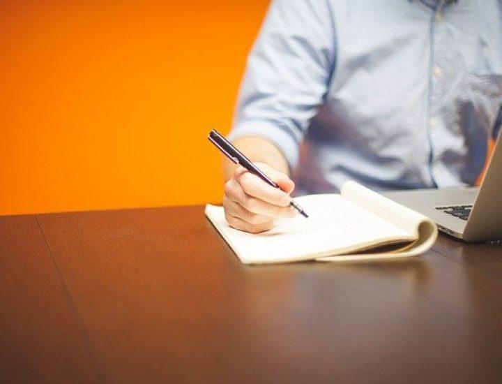 Virtuelle Assistenten: Vorteile für Arbeitgeber und Arbeitnehmer